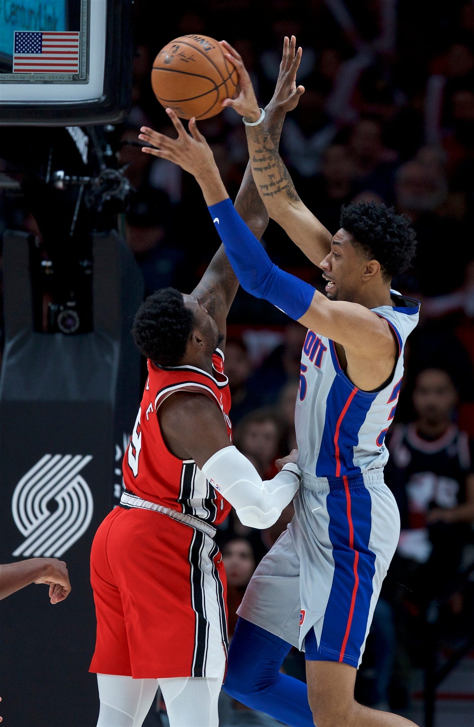 NBAVIDEO: Blazers' Carmelo Anthony ices the game vs. Pistons off the choice and pop with CJ McCollum